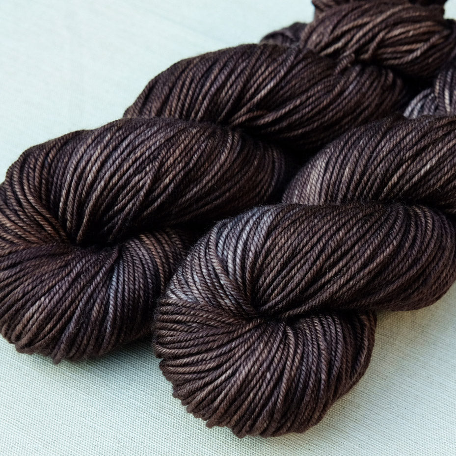 Cascara Worsted: Wren