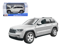 2011 Jeep Grand Cherokee White 1:24 Diecast Model