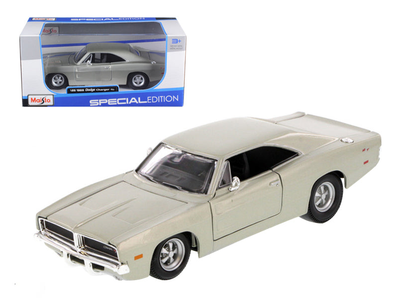 1969 Dodge Charger R/T Hemi Silver 1:25 Diecast Model