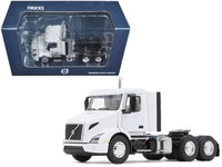 Volvo VNR 300 Day Cab White 1:50 Diecast Model