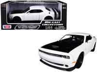 2018 Dodge Challenger SRT Hellcat Widebody White 1:24 Model - Motormax - 79350WH