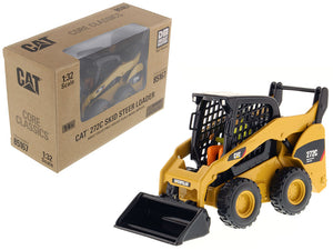 "Caterpillar CAT 272C Skid Steer Loader w/ Working Tools and Operator ""Core Classic Series"" 1:32 Scale Model - Diecast Masters - 85167C"