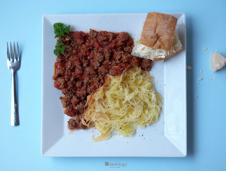 bentology, bento, laptop, lunches, lunch, box, boxes, containers, ideas, laptop lunches, portion, perfect, spaghetti squash, meat, sauce, garlic, bread, butter, healthy, nutritious