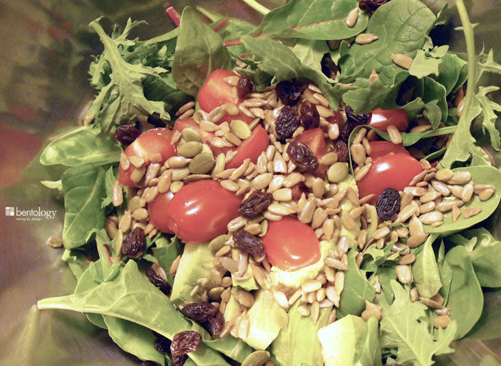 bentology, bento, laptop, lunches, lunch, box, boxes, containers, ideas, laptop lunches, healthy, nutritious , salad, leftovers, lettuce, tomatoes, seeds, dressed, avocado, sunflower, lemon
