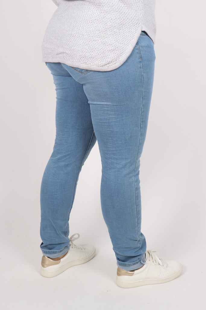 d610ccd2dc My Fit Stretch Denim Jeans in Light – Four Love Fashion