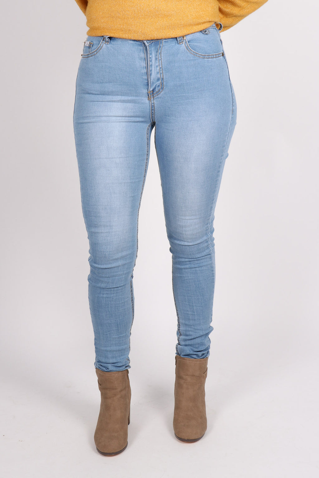 Maison Stretch Jeans in Light