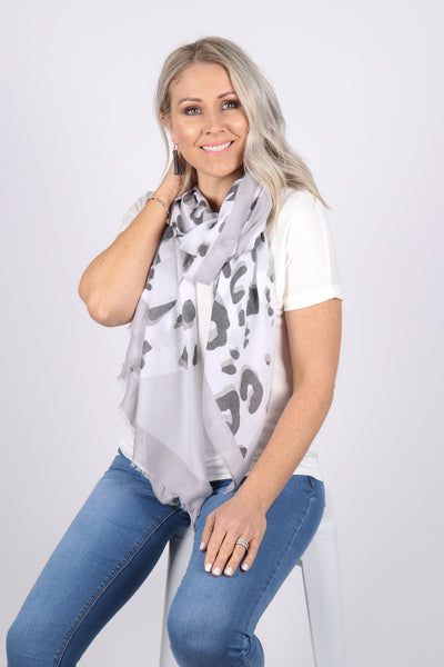Collective Scarf in Grey