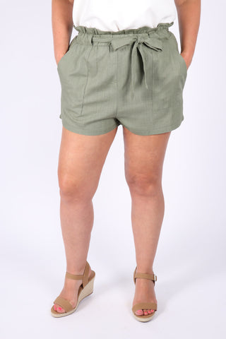 Apex Shorts in Khaki