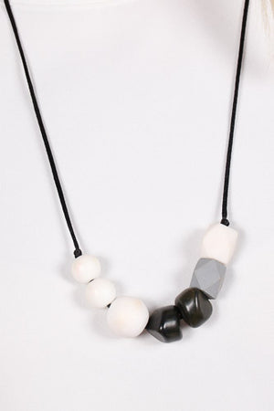 Rouna Beaded Necklace Black/White