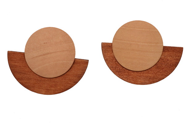 Two-Tone Wooden Earring in Brown