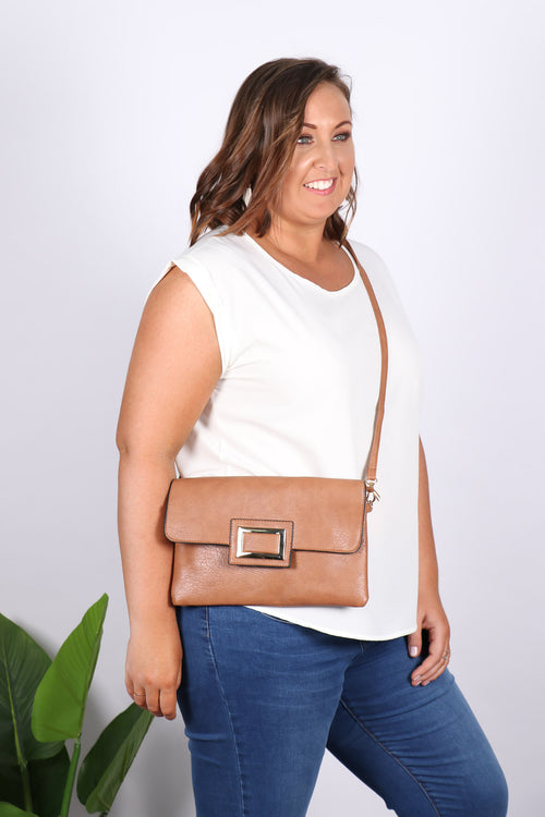Remi Clutch in Tan
