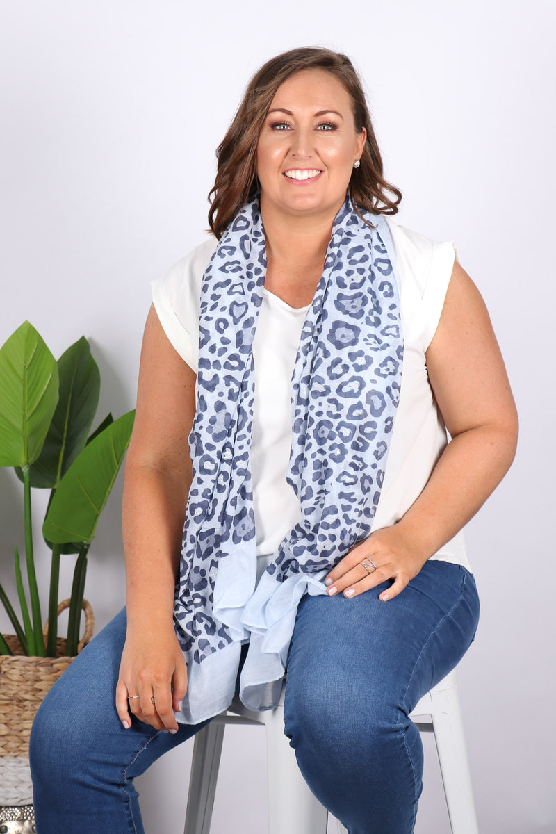 Deluca Scarf in Blue