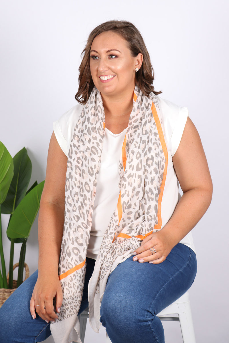 Wilton Scarf in Cream