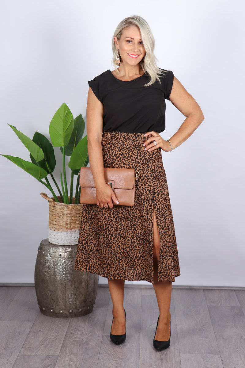 Spiritual Midi Skirt in Dark