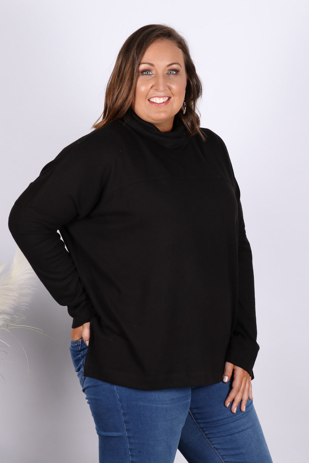 Ivo Cosy Pullover in Black