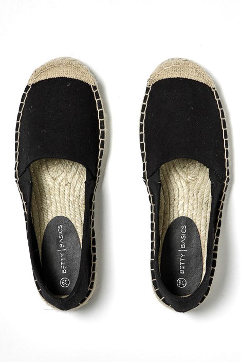 Vacation Espadrille Pull On in Black