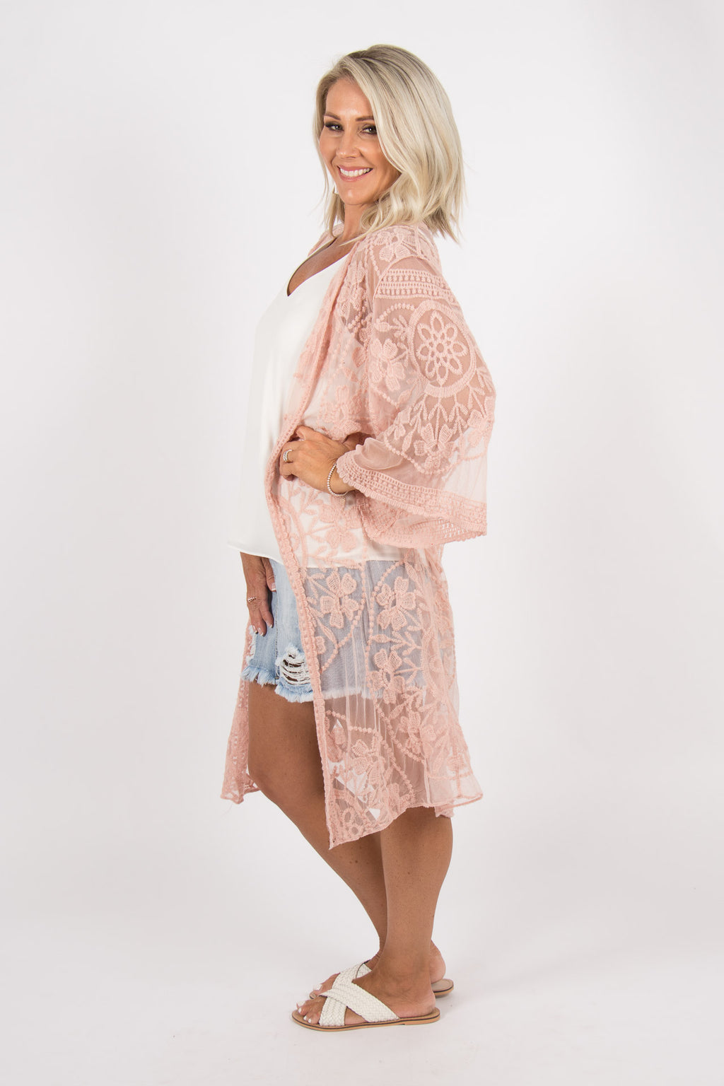 Harmonious Lace Cape in Antique Pink