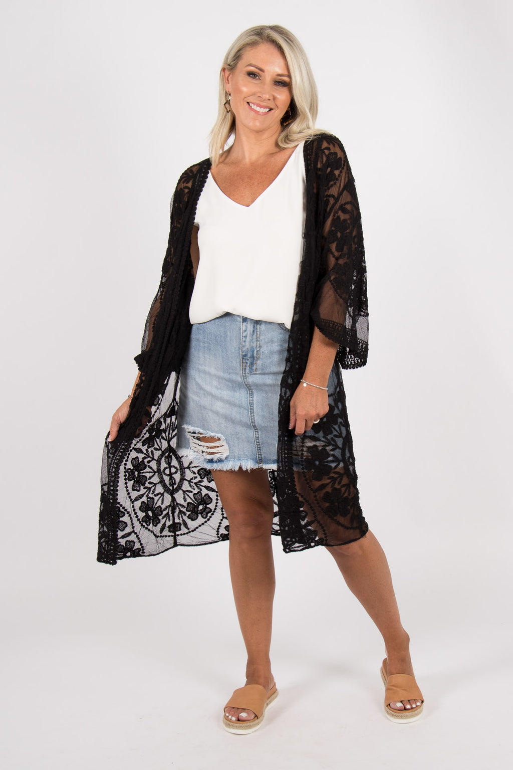 Harmonious Lace Cape in Black