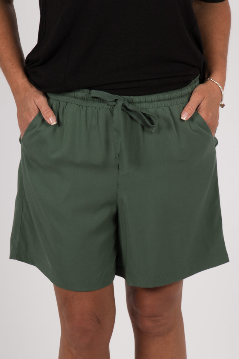 Ziggy Shorts in Forest