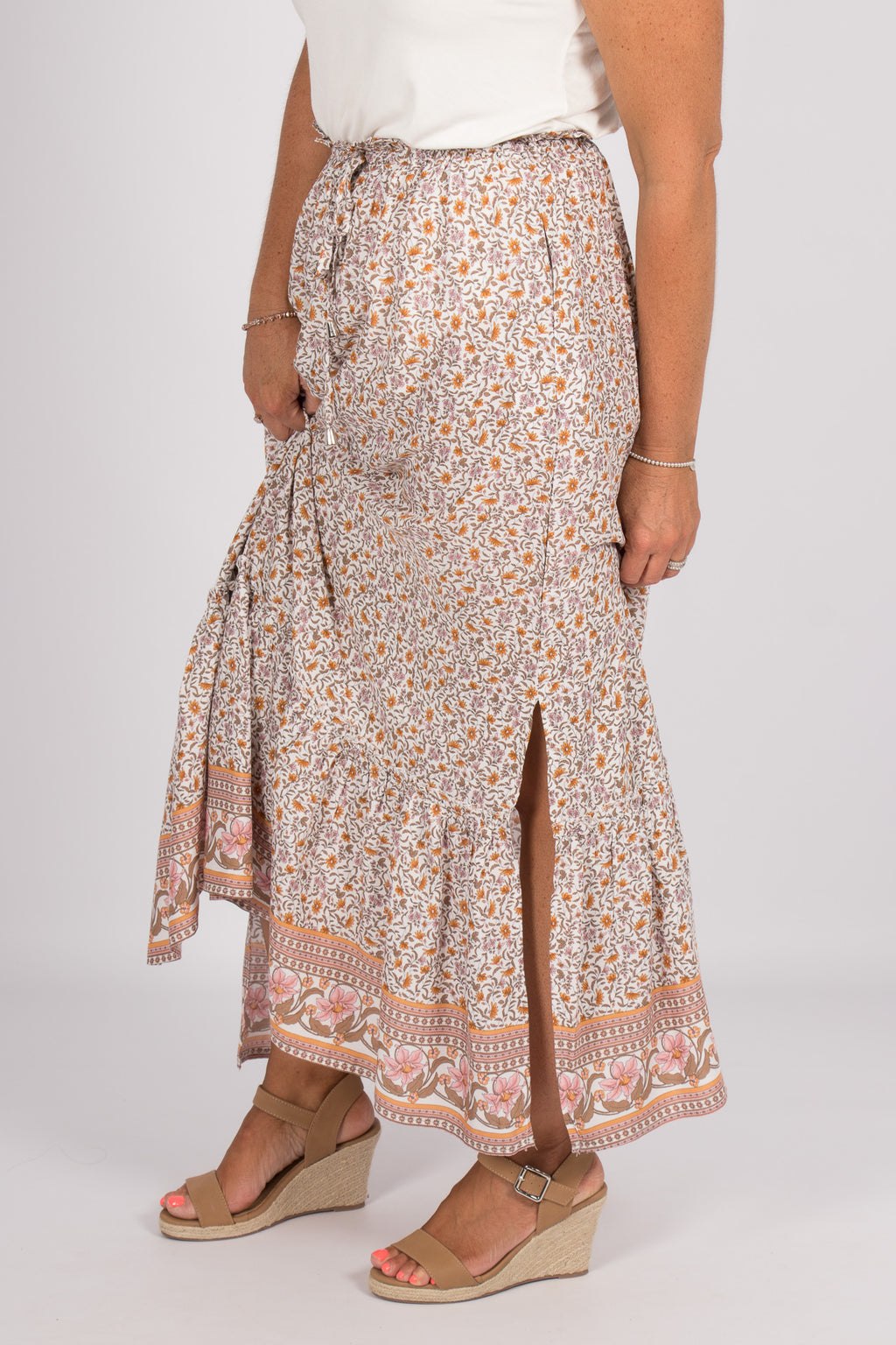 Aberline Maxi Skirt in Pink