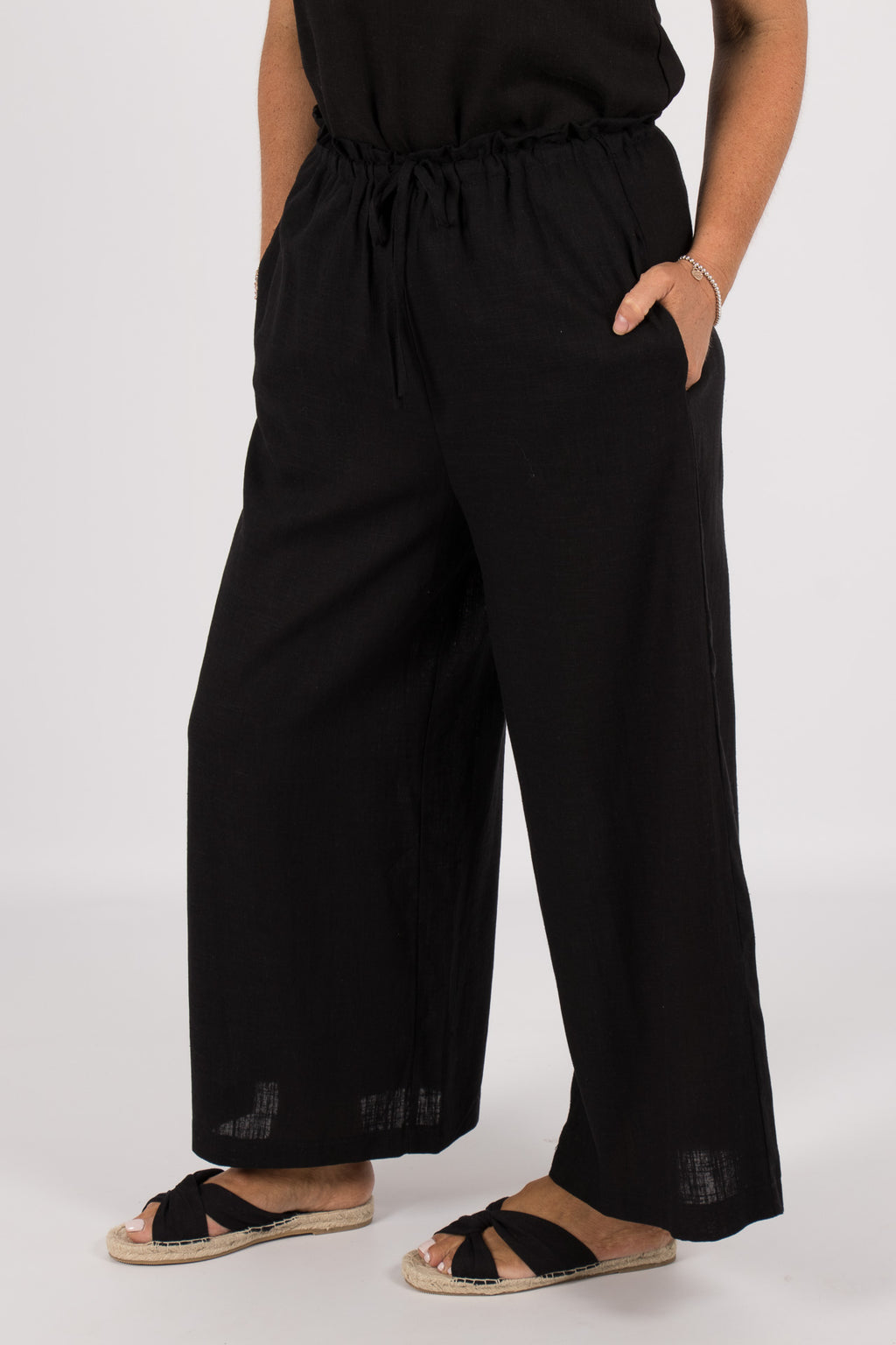 Quinn Linen Pants in Black
