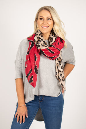 Dynamic Scarf in Red