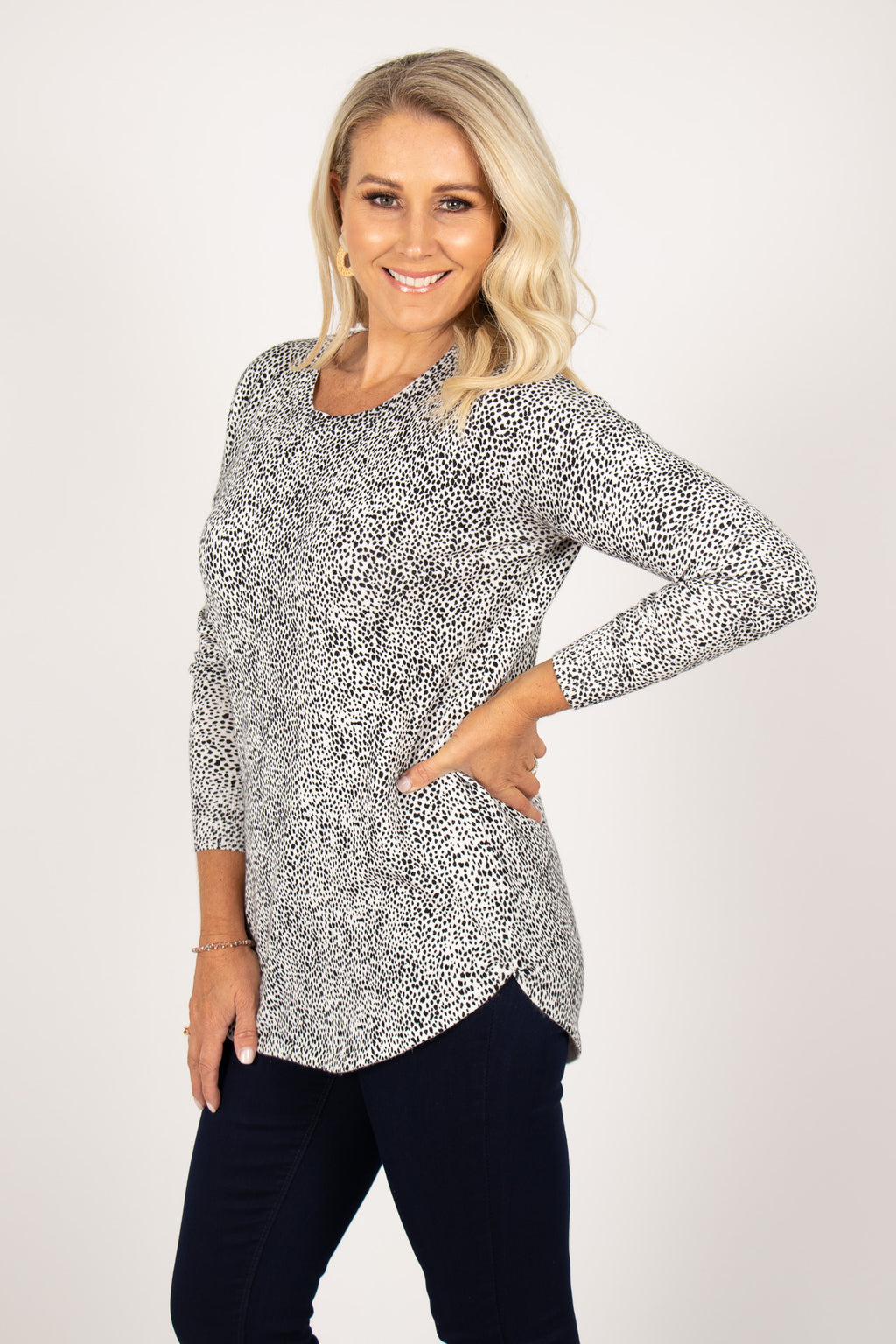 Sophie Knit Jumper in White/Black Terrain
