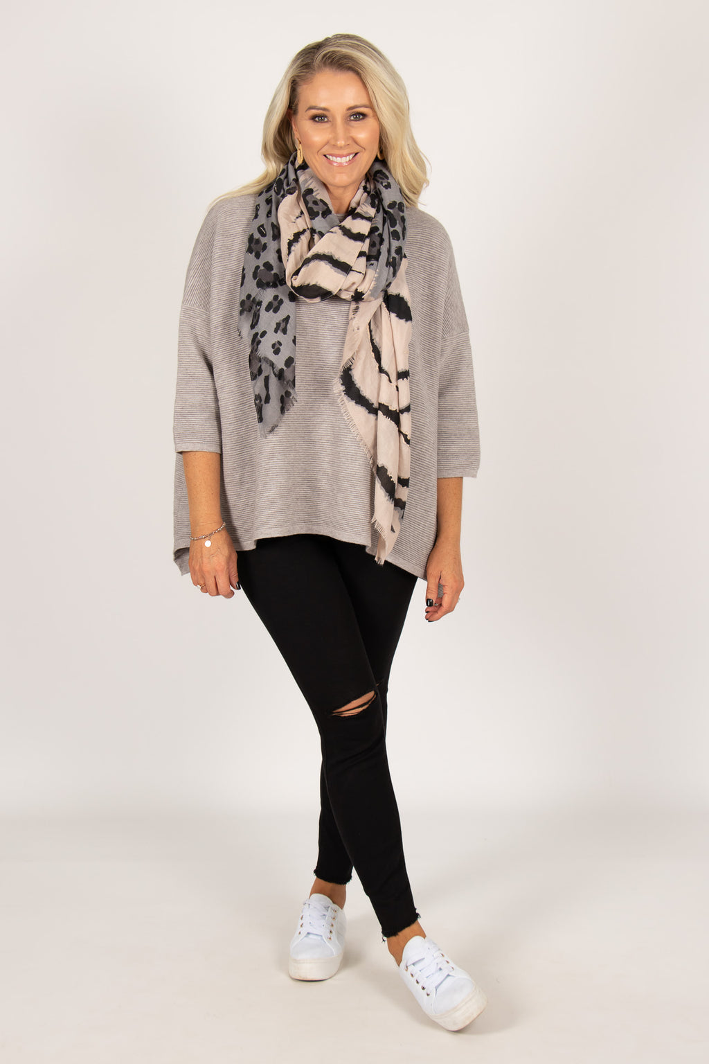 Nicola Knit Top in Grey