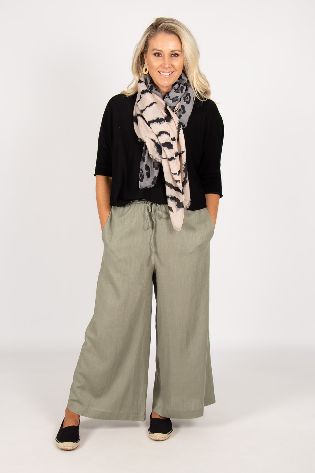 Quinn Linen Pants in Khaki