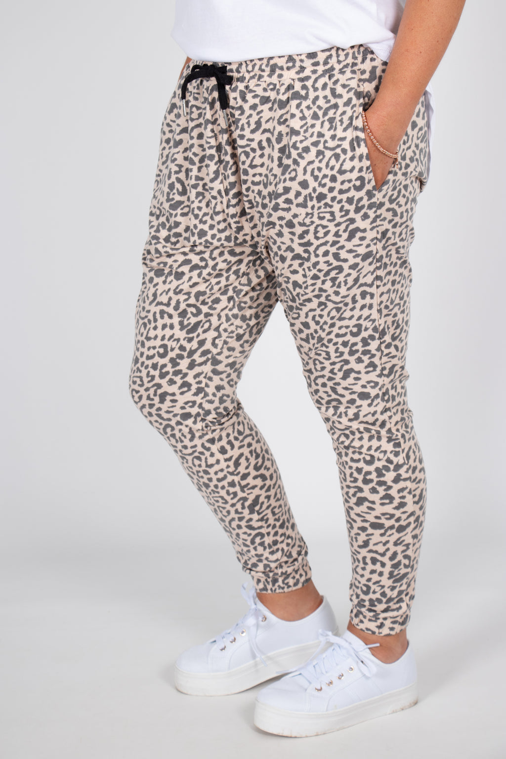 Jager Lounge Pants in Peach