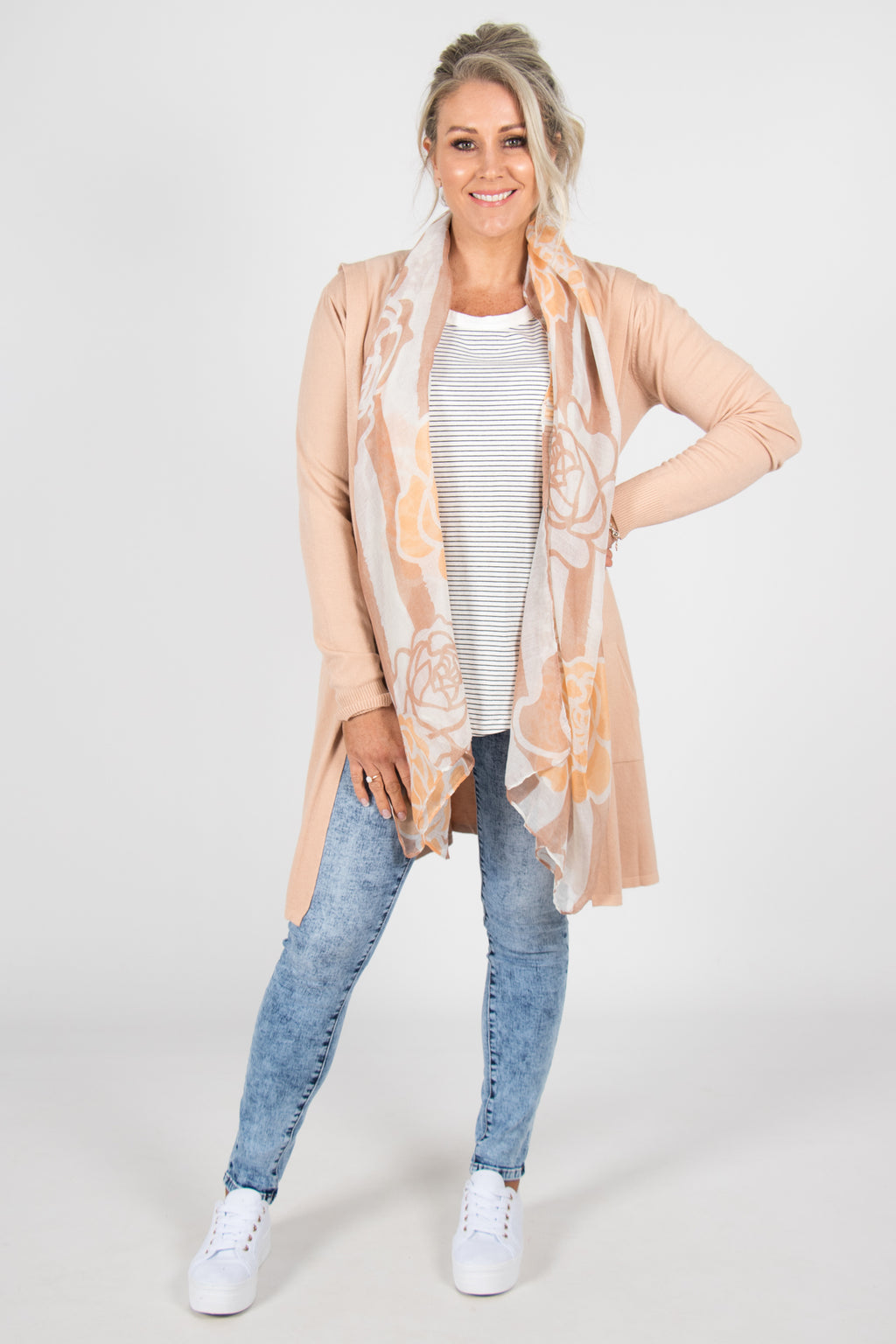 Jubilee Cardi in Soft Peach