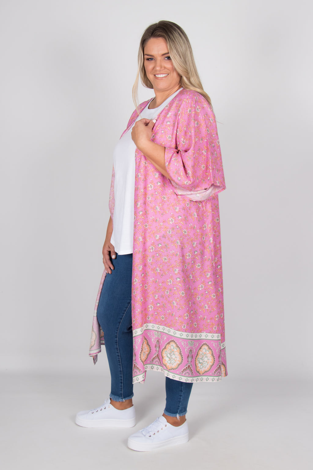 Leah Cape in Pink