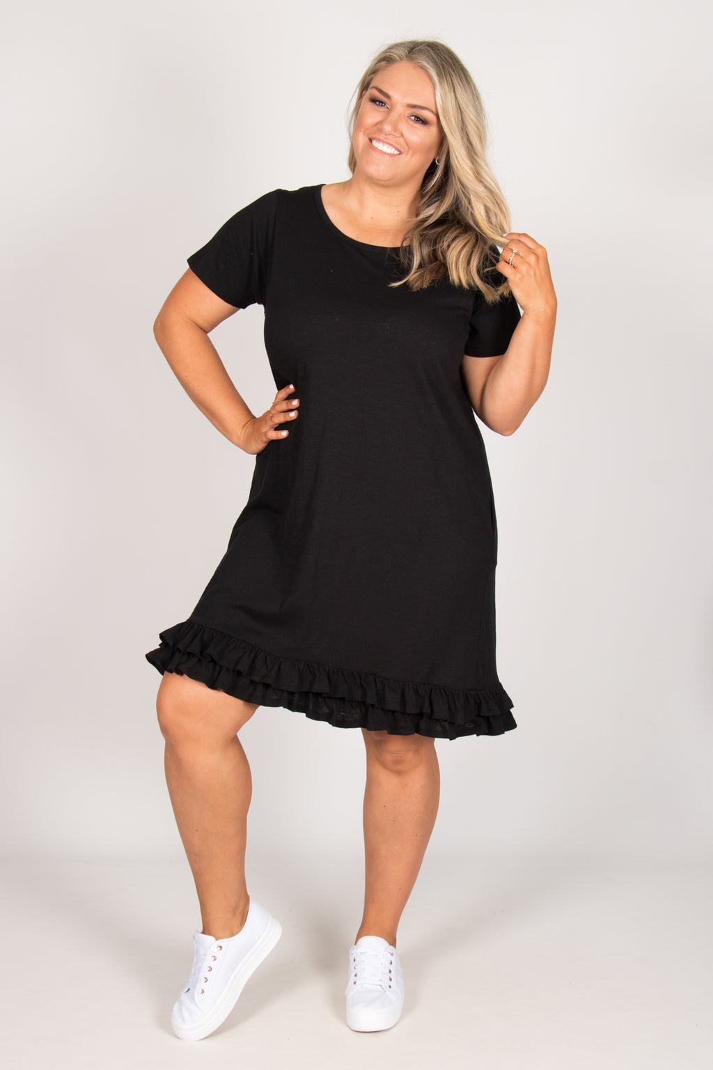Amber Dress in Black