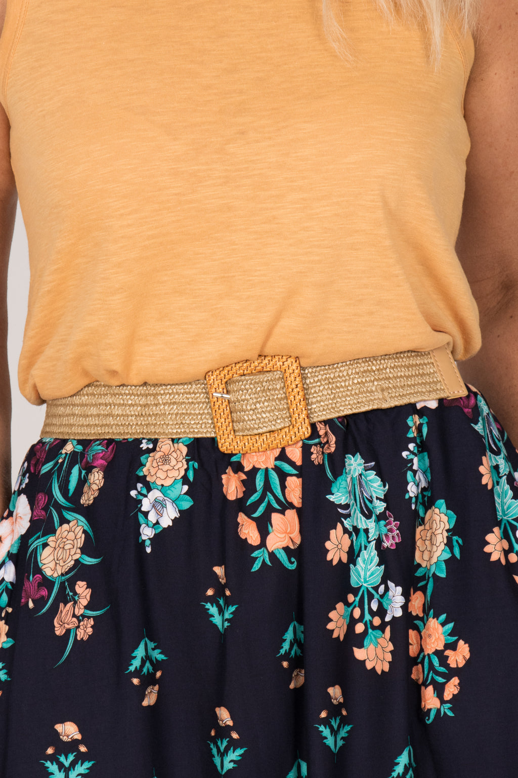 Jessa Stretch Belt in Natural/Square
