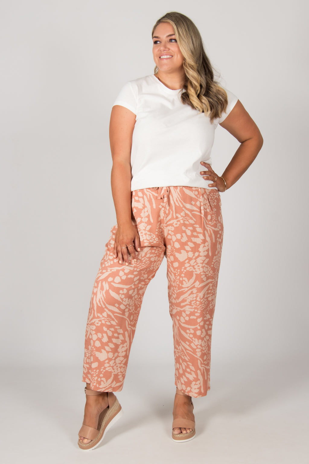 Marion Pants in Caramel