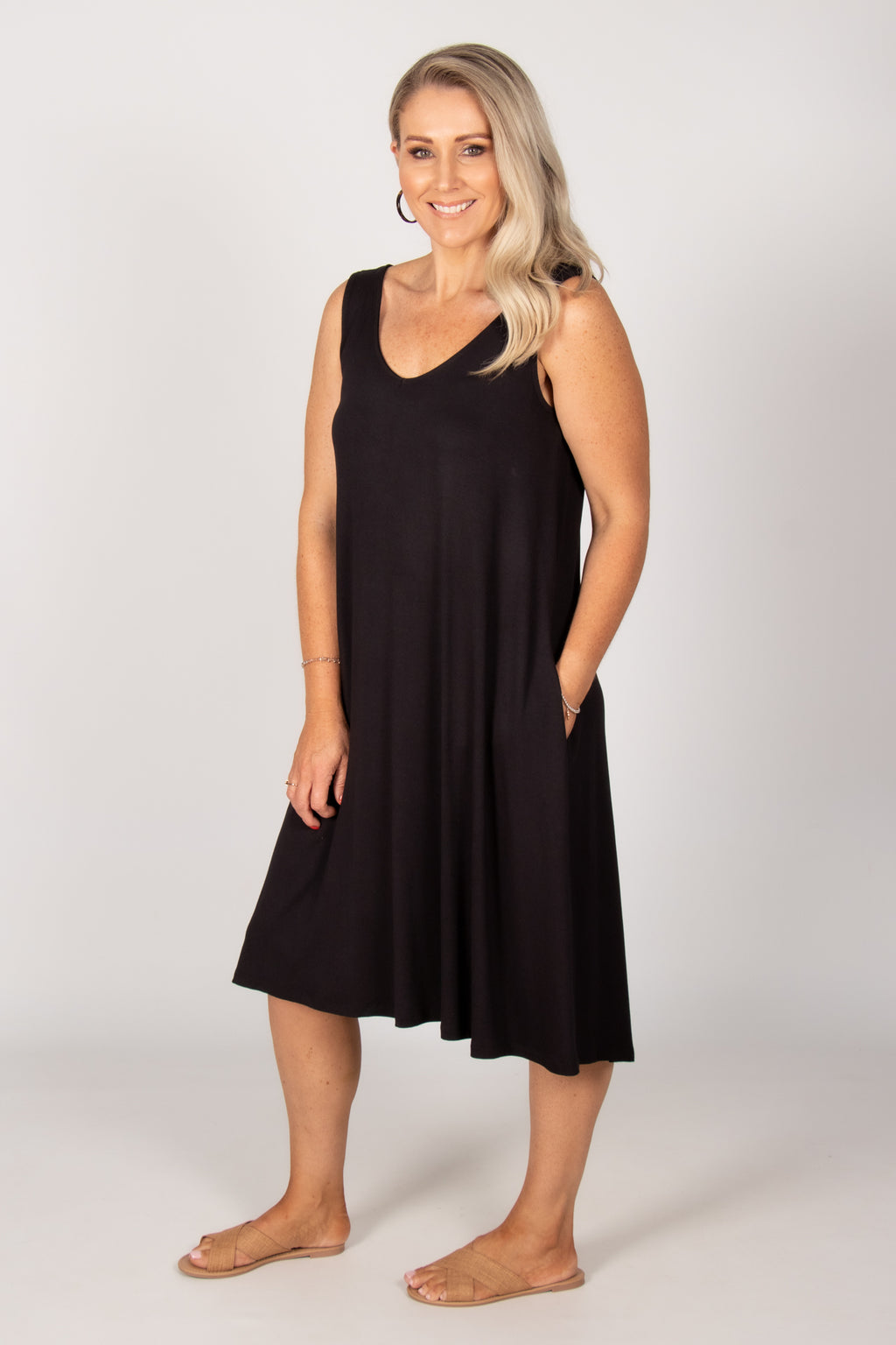 Oman Dress in Black