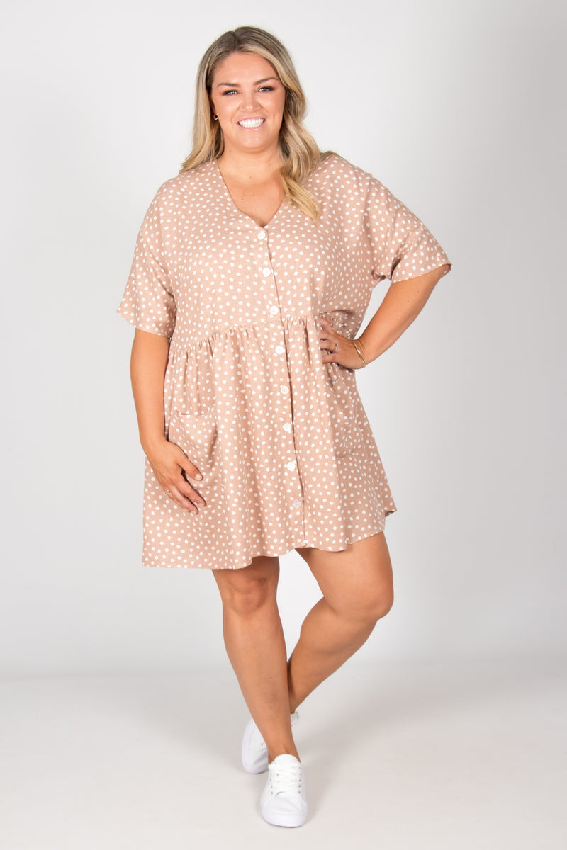 Darcie Dress in Latte