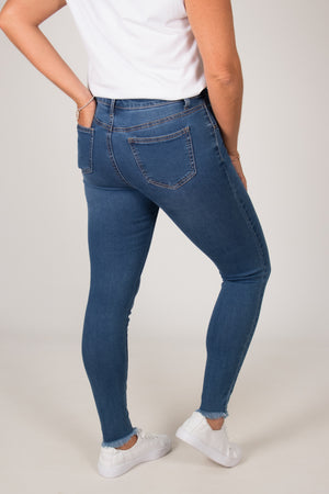 Anika Fray Jeans in Denim