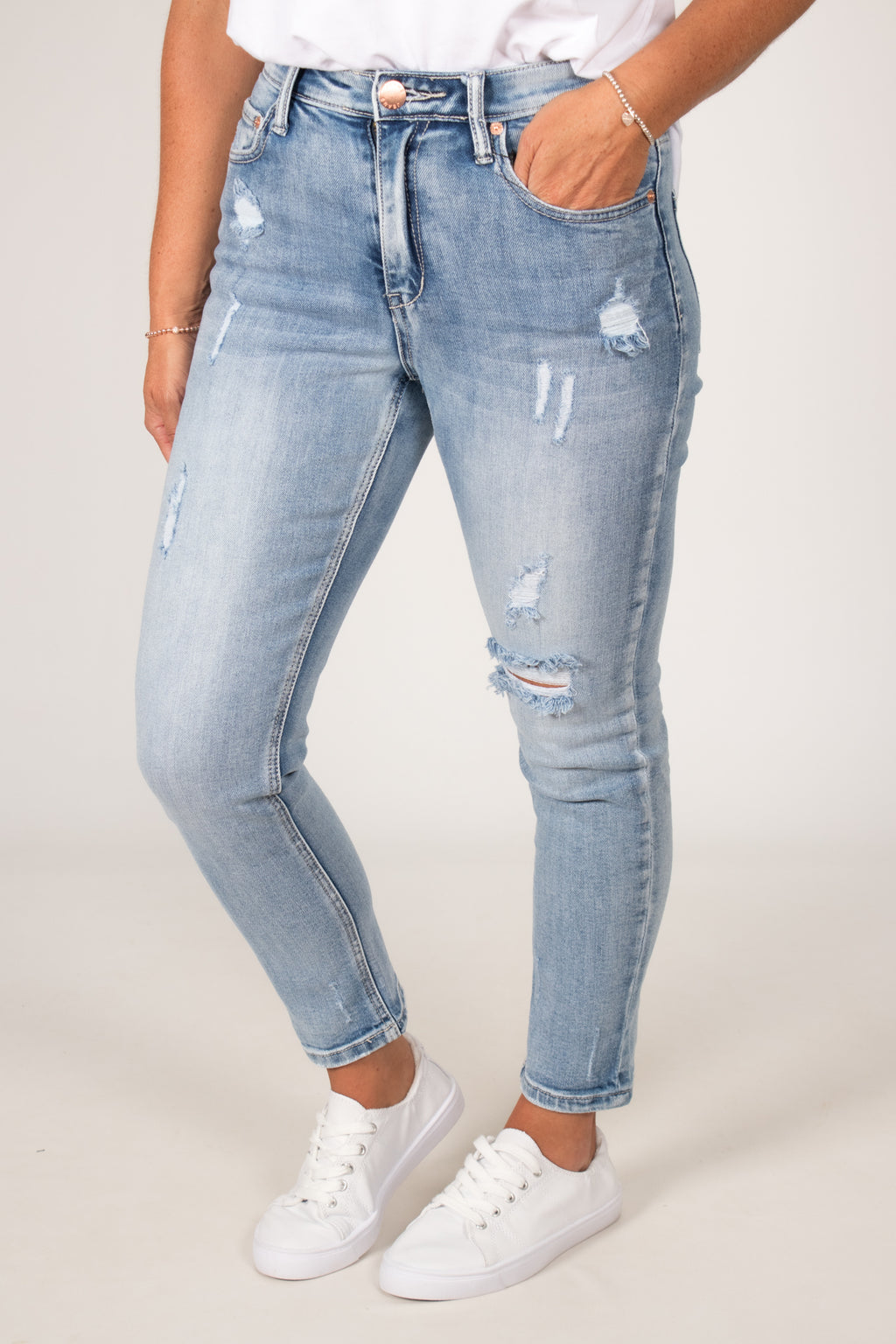 Queen Jeans in Blue Wash