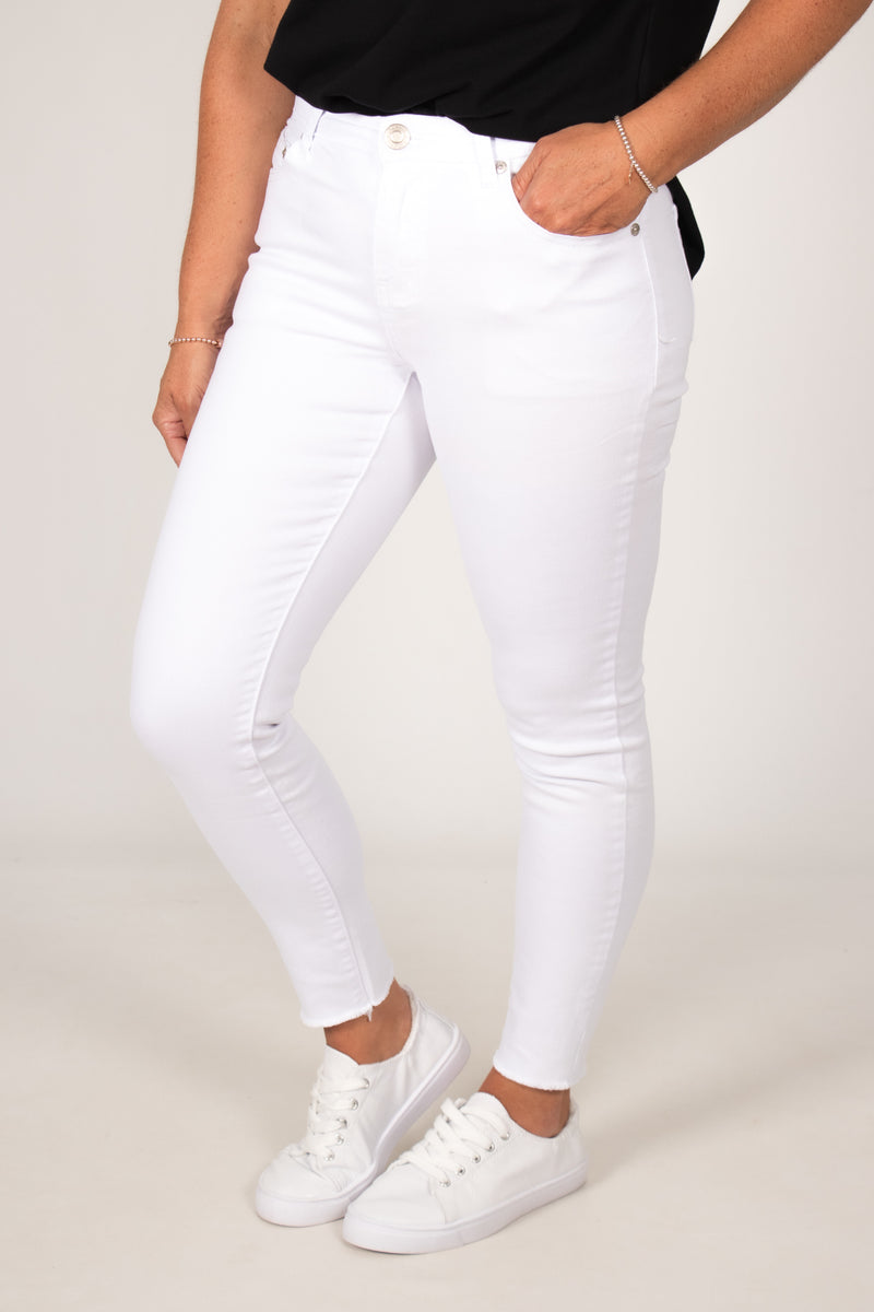 Anika Fray Jeans in White