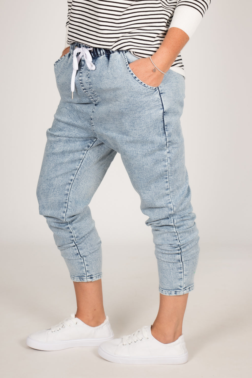 Jesse Jean in Stone Wash Blue