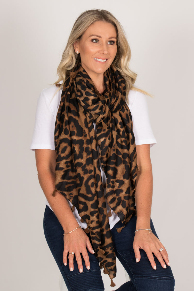 Swift Leopard Scarf in Dark