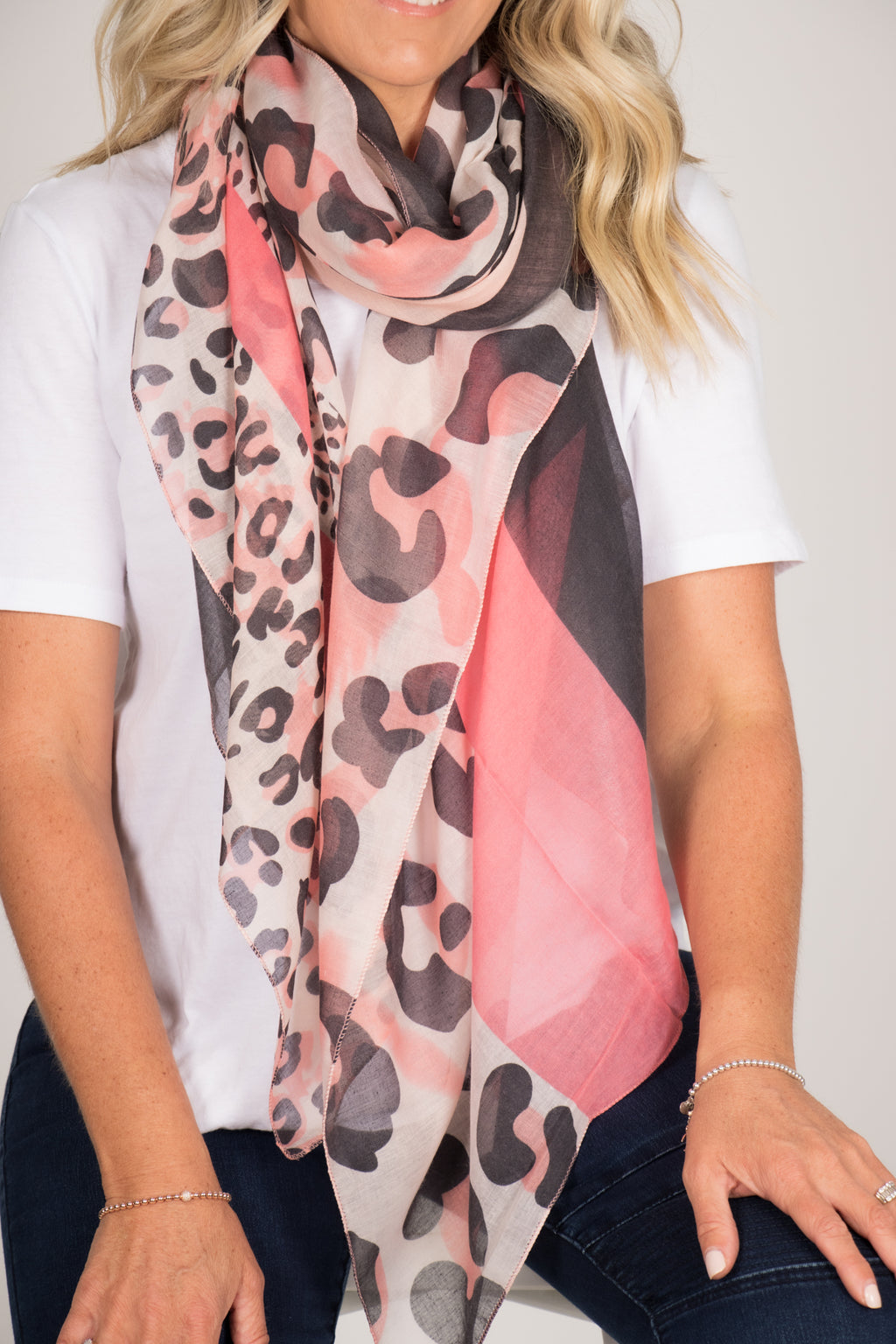 Desire Scarf in Coral/Black