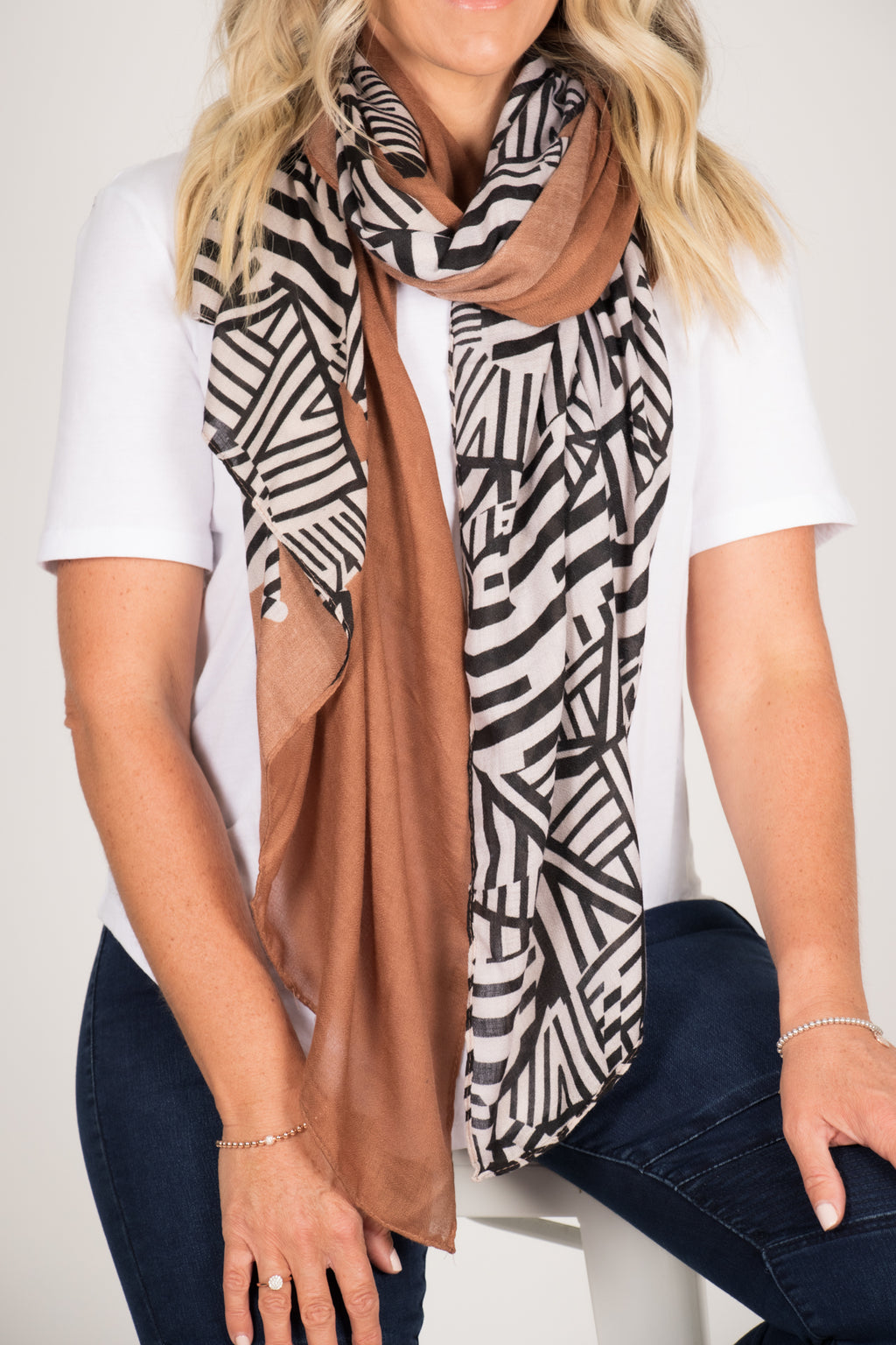 Zebby Scarf in Brown
