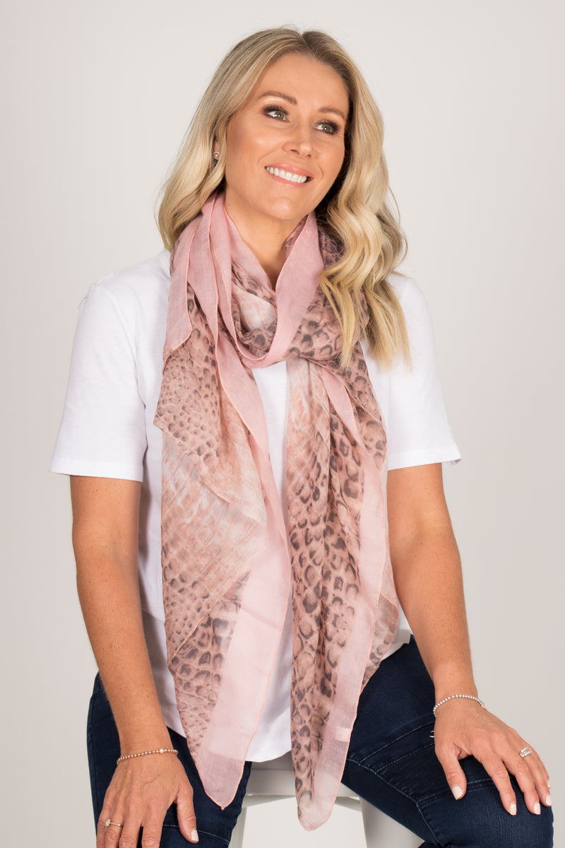 Ridges Scarf in Pink
