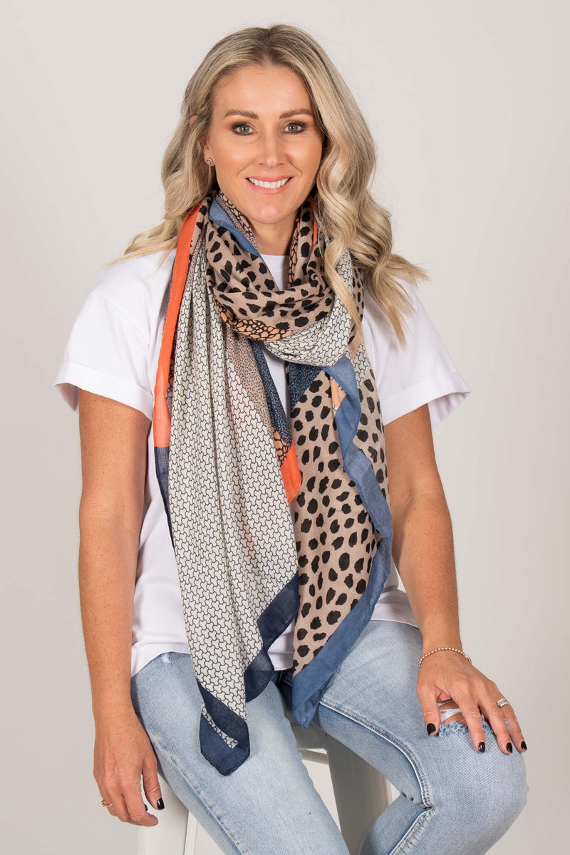Autumn Wonders Scarf in Blue