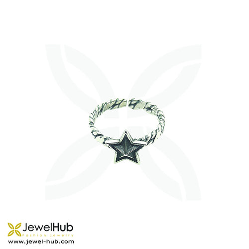 Star Ring in oxidized silver with delicate patterns.