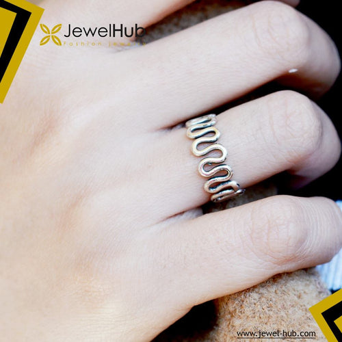 Dizzy Silver Ring