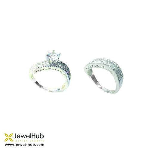 Sterling silver 925 twin rings with embedded baguette crystals.