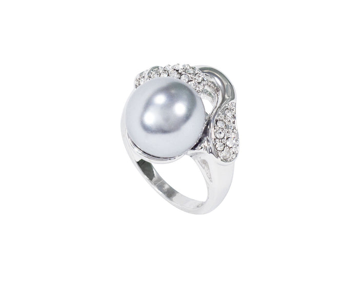 The elegance of the pearl is shown perfectly with the support of the delicately wrought sterling silver ring.